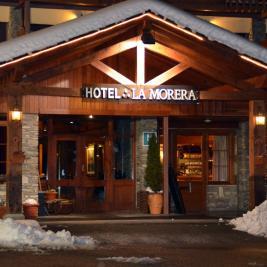 Illuminated entrance Hotel La Morera València d'àneu Lleida