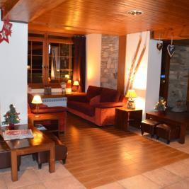 Hotel la Morera Hall with Christmas decoration València d'Àneu Lleida